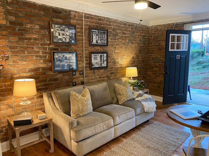 The Virginian Lofts Corporate Suite