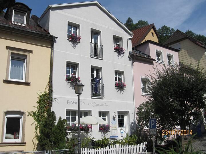 Haus Gänswinkel (Bad Berneck), Appartement (30qm) für 1-2 Personen im Stadtkern von Bad Berneck