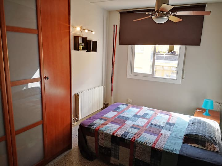 Nice comfortable  room close to airport