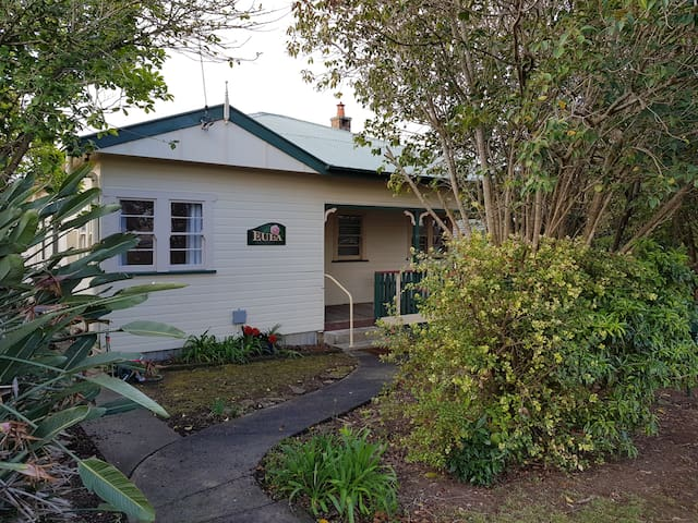 EULA - Centrally located in Nowra, South Coast NSW
