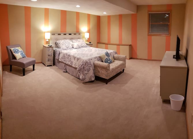 Large Cozy and Clean * Close to MercyHealth