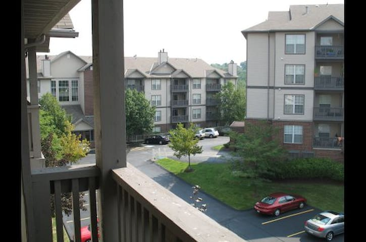 Lincoln Pointe - Bethel Park - Apartment