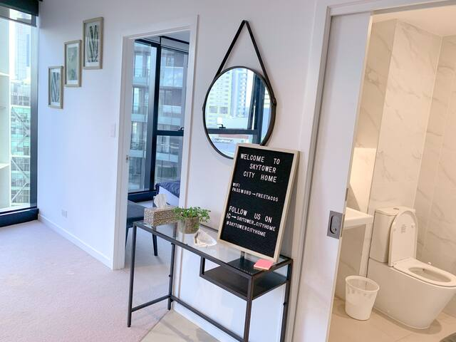 Modern apartment in Skytower Brisbane