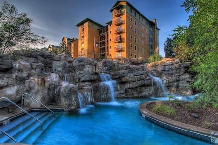 Riverstone Resort 2 bed/2 ba Condo! - Pigeon Forge - Condominium
