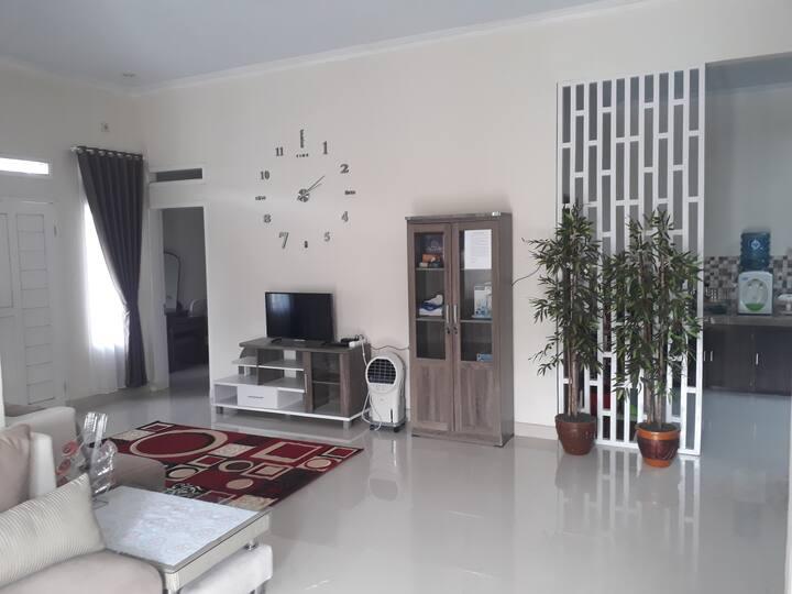 Indihiang homestay, Tasikmalaya