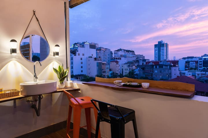 Tuta Rooftop: Sky view✩Jacuzzi✩ Free Foot massage