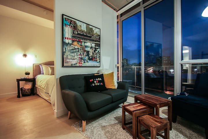 Fabulous Urban Suite In The Heart Of Halifax - Halifax - Apartment