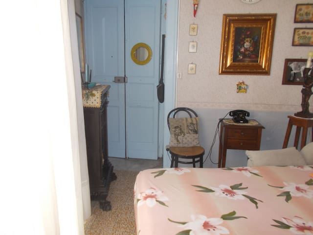 typical '70 italian small house - Piano di Sorrento - Byt