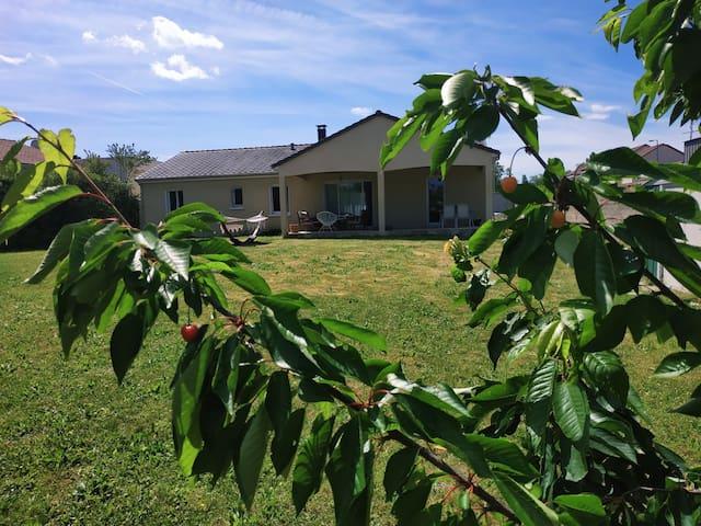 Chambre privée + petit-dej' accès terrasse/jardin