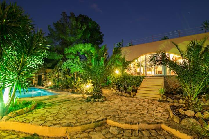 charming quiet villa in ibiza 6 pax ET-0662-E