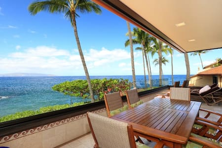 Gorgeous Remodeled Ocean Front Condo -Makena Surf Resort G-206