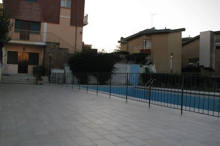 Appartamento in villa con piscina  - Marina di Ardea