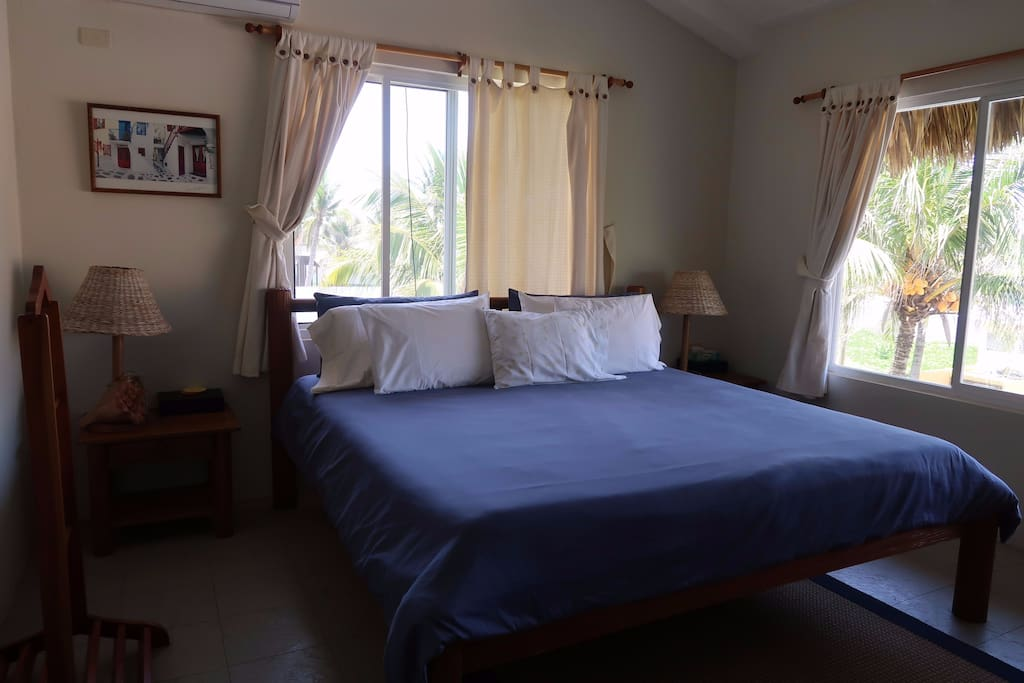 Room 1 (king size bed)