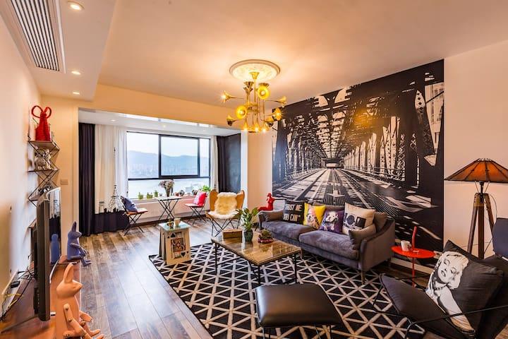 『Dream』免费接机邻解放碑洪崖洞~北欧四房一线江景户户朝江 - Chongqing - Apartamento