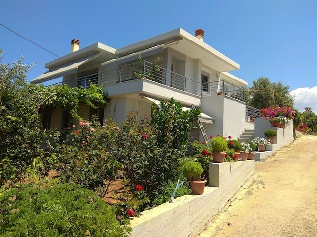 Filiatra (Agia Kiriaki) apartment close to the sea