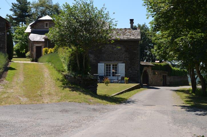 Gîte complet avec belle vue sur la vallée du Tarn.