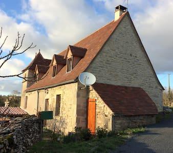 Maison quercynoise typique - Sénaillac-Lauzès - House