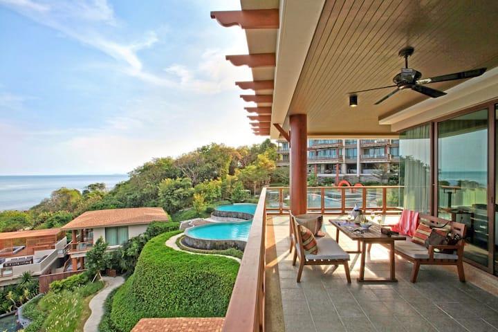 Luxury Sea View Apatment (243)