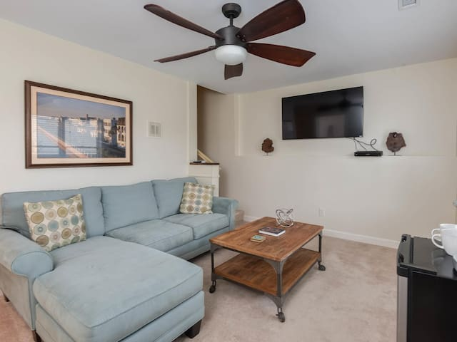 Private Suite with Close Proximity to Everything