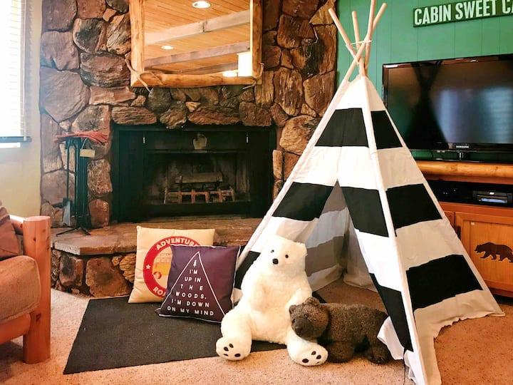 Cute Log Mtn Cabin - Near Skiing & Snow Play, WiFi