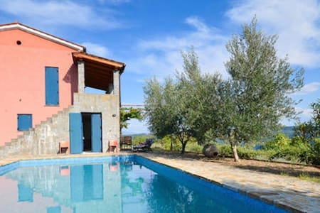 5 STAR  VILLA CRAZY LOW PRICES MIDWEEK EARLYBOOK - Koštabona - Βίλα