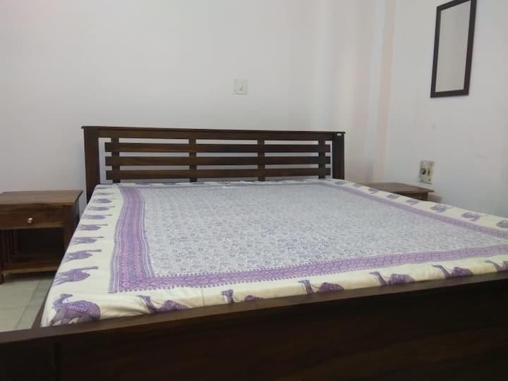 Deluxe Room, Isec Guest House. Greater Noida
