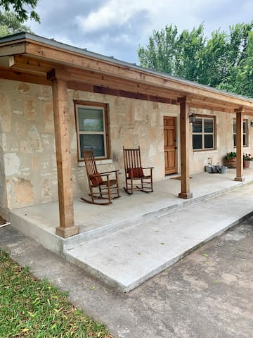Tejas Hills Guest Haus #1 - Fredericksburg