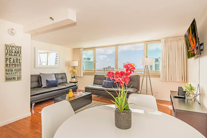 *Professionally Sanitized*1 BD Ocean & Mountain View Condo w/Hotel Amenities! - Island Colony 1 BDR Ocean & Mountain View on the 26th Floor