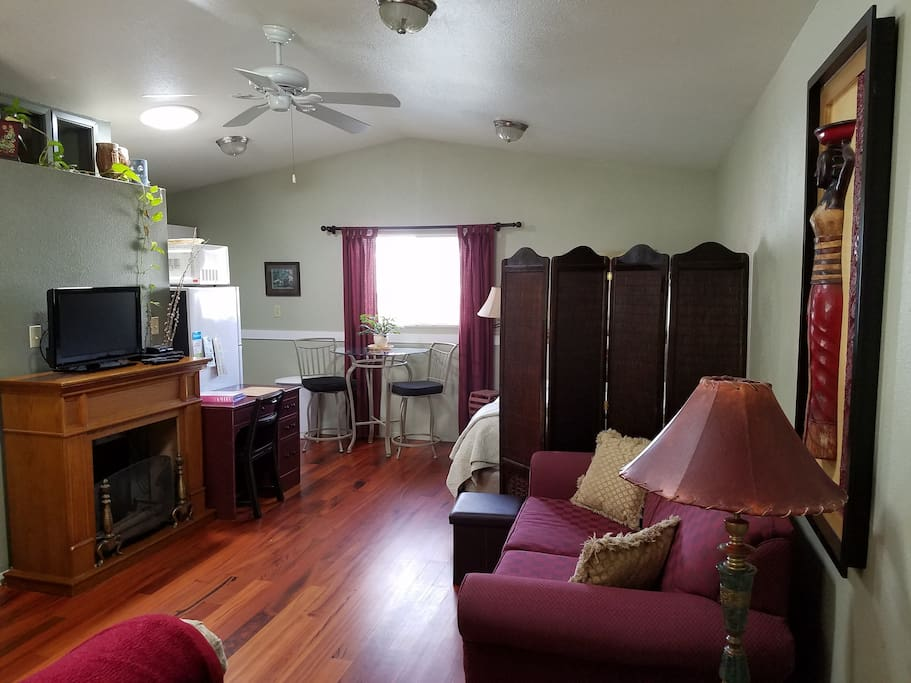 Pink Guest House Carriage House Bungalows For Rent In