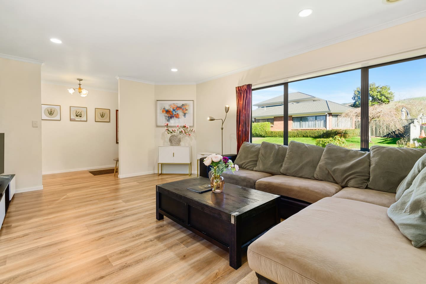 Best airbnbs in Rotorua for families featured by top family travel blogger, Marcie in Mommyland: Refined Hoyte(Spacious four bedroom holiday house)