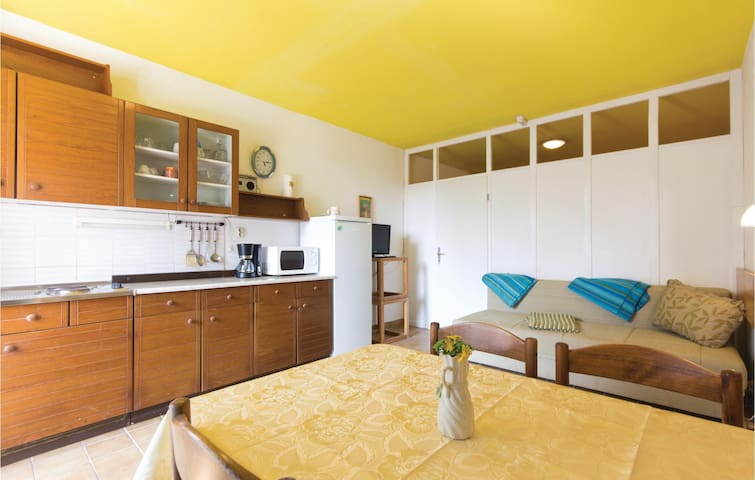 Holiday apartment with 1 bedroom on 37m² in Duga Uvala