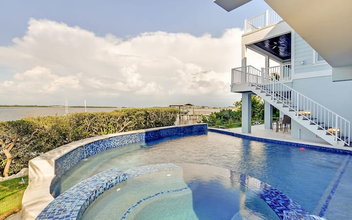 On the Rocks - waterfront 8 bd luxury home! Pool, spa, rooftop deck and gorgeous spaces!