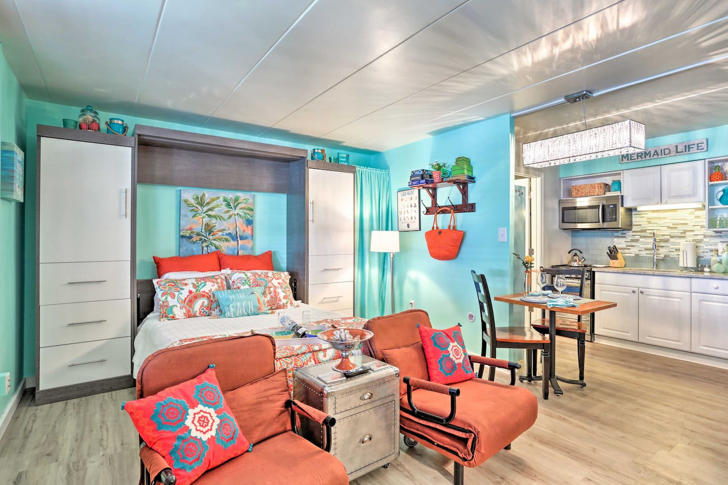 Don's hesitate to book this newly remodeled vacation rental studio!