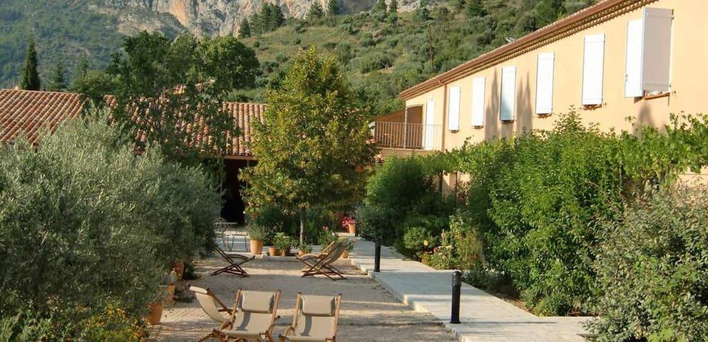 Hotel les Restanques - Moustiers-Sainte-Marie - Annat
