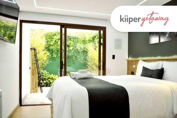 kiiper | Bright Suite with Patio | 2PPL
