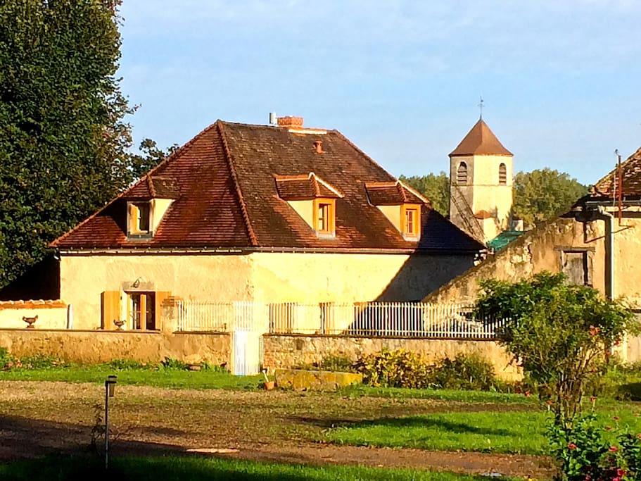 La petite maison maisons louer seuillet auvergne for Auvergne location maison