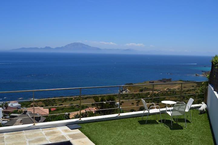 Villa con piscina frente al Estrecho de Gibraltar - Algeciras - Hus