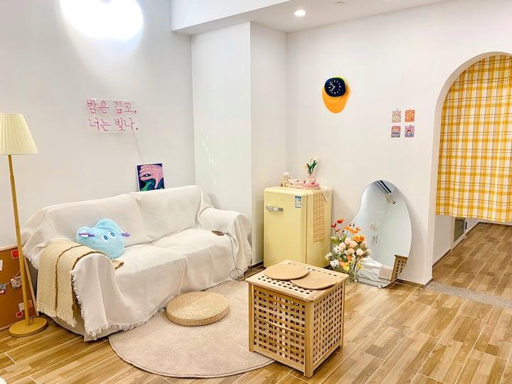 「27 studio」INS感性#韩风民宿 万象城SOHO公寓/高清投影/高层夜景/万达广场