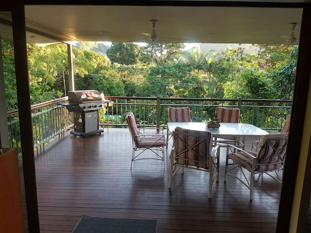 Self contained city hideaway, WiFi, 2 bikes - QLD - Casa