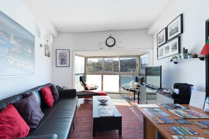 Apartamento com vista panorâmica sobre o rio Douro