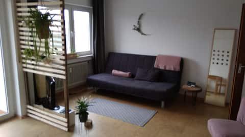 Liebevolle & moderne Wohnung mit Balkon & Seeblick