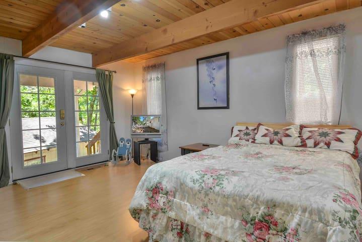 Lake Arrowhead Forest Apt 1 Sleep 6+Great price