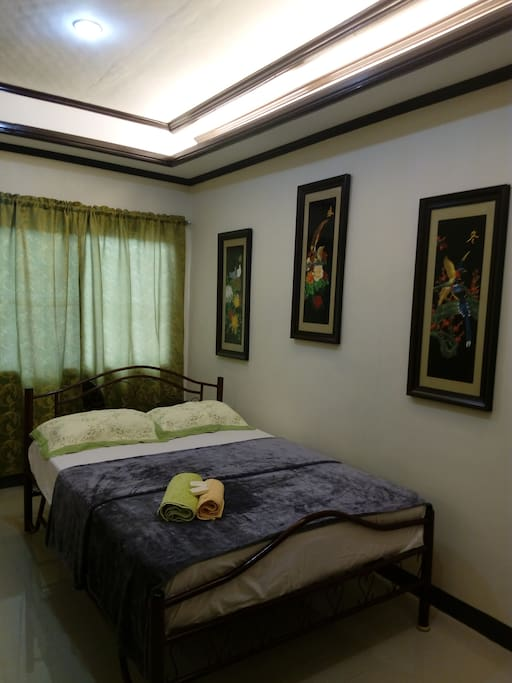 Barkada and fam.pax good for. 6-7 persons. It is 3 rooms airconditioned with. Attic