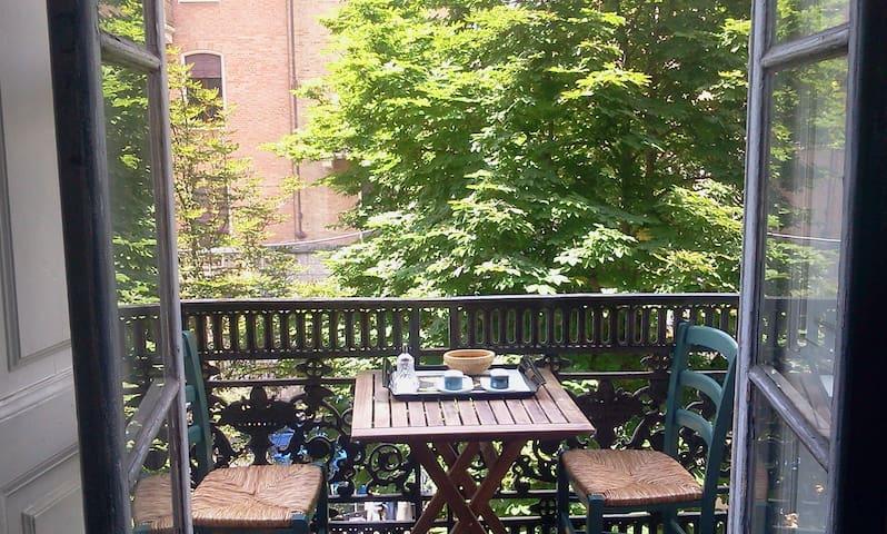 stanza accogliente e luminosa nel cuore di Torino