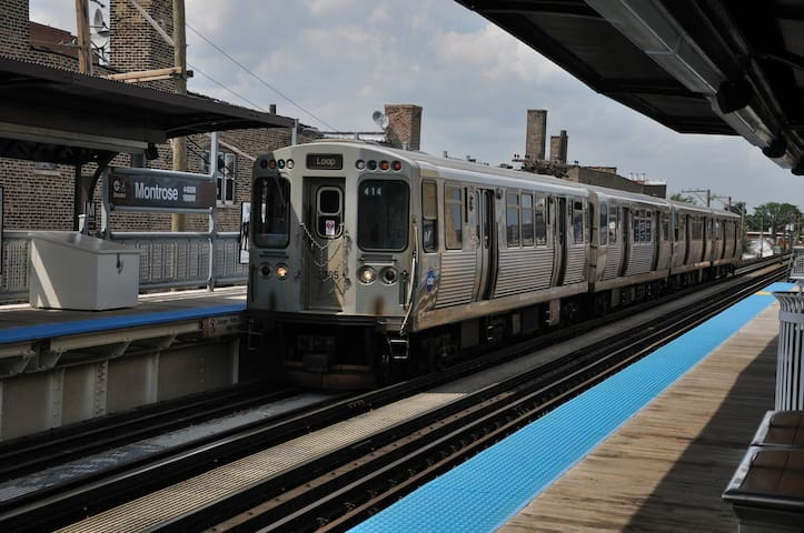 Montrose Brown Line CTA Train (1 block west)