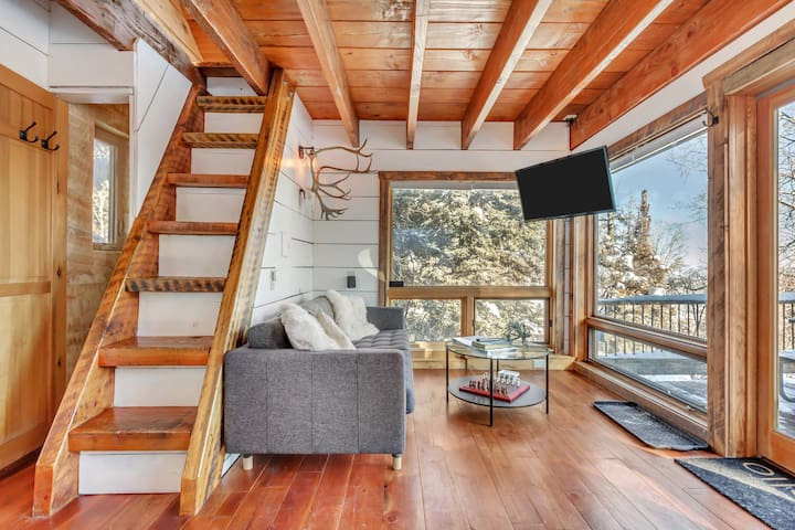 Dreamy Remote Treehouse Above Park City, Utah