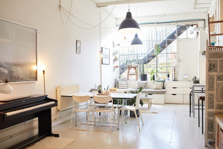 Beautiful Dalston Warehouse - Bright and Airy