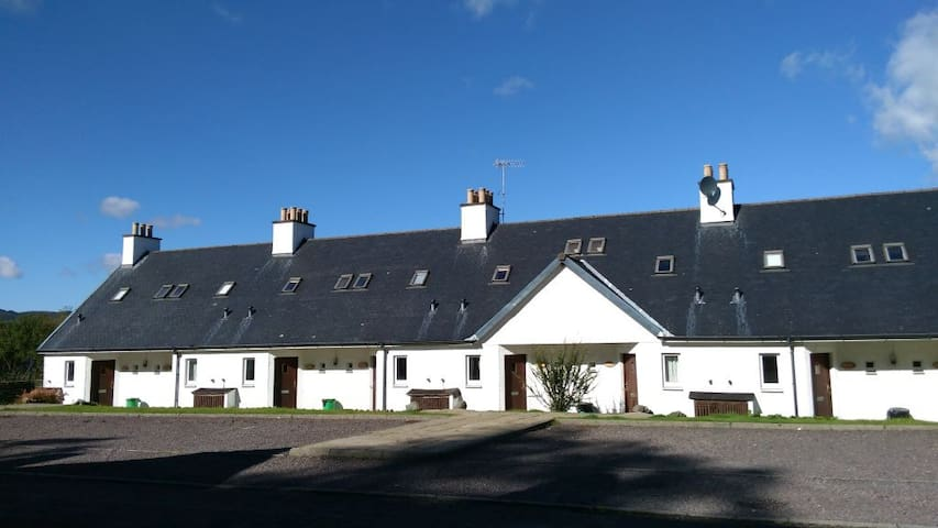 Loch Side Apartment - Portsonachan