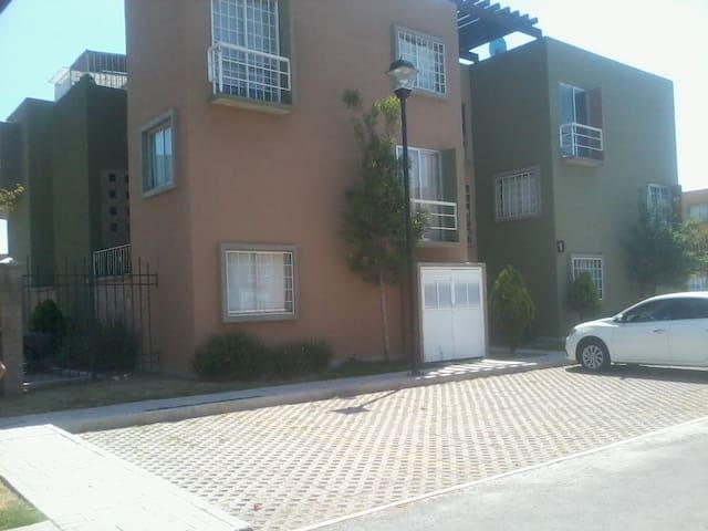 Recamaras (cerca Hospital Regional de Zumpango). - Zumpango - Apartment