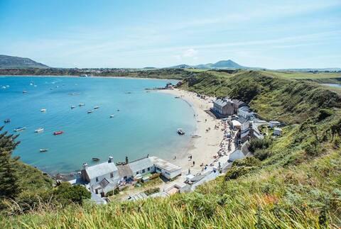Beach, Pub, Golf in Edern, Morfa Nefyn